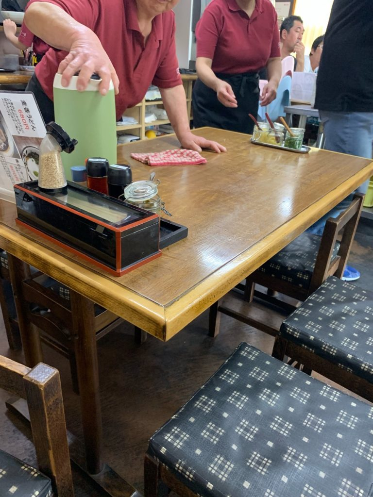 テーブル席ありです。
